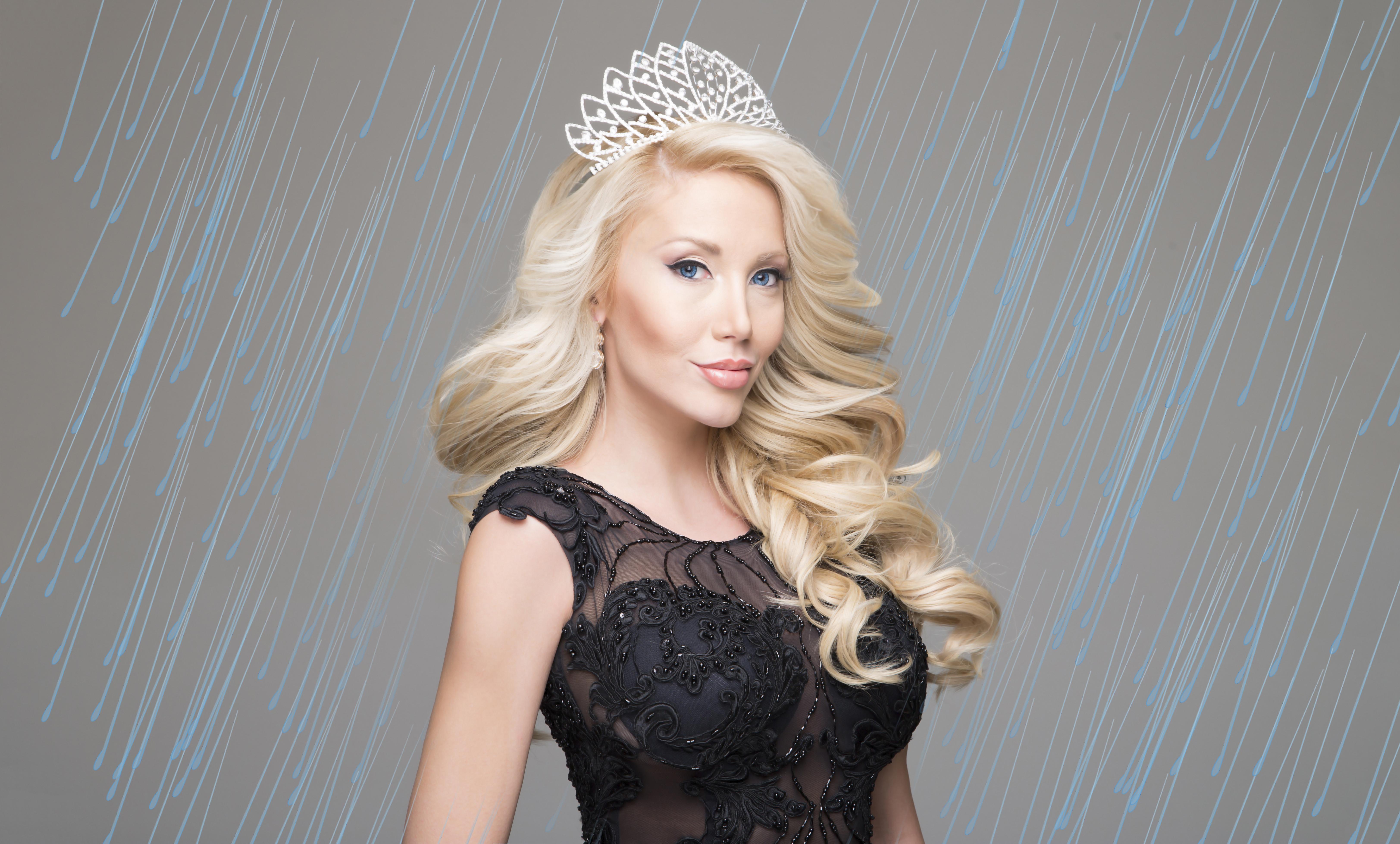 Мис  България Вселена 2013 Венета Кръстева