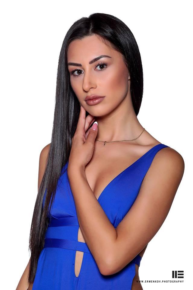 Габриела Великова